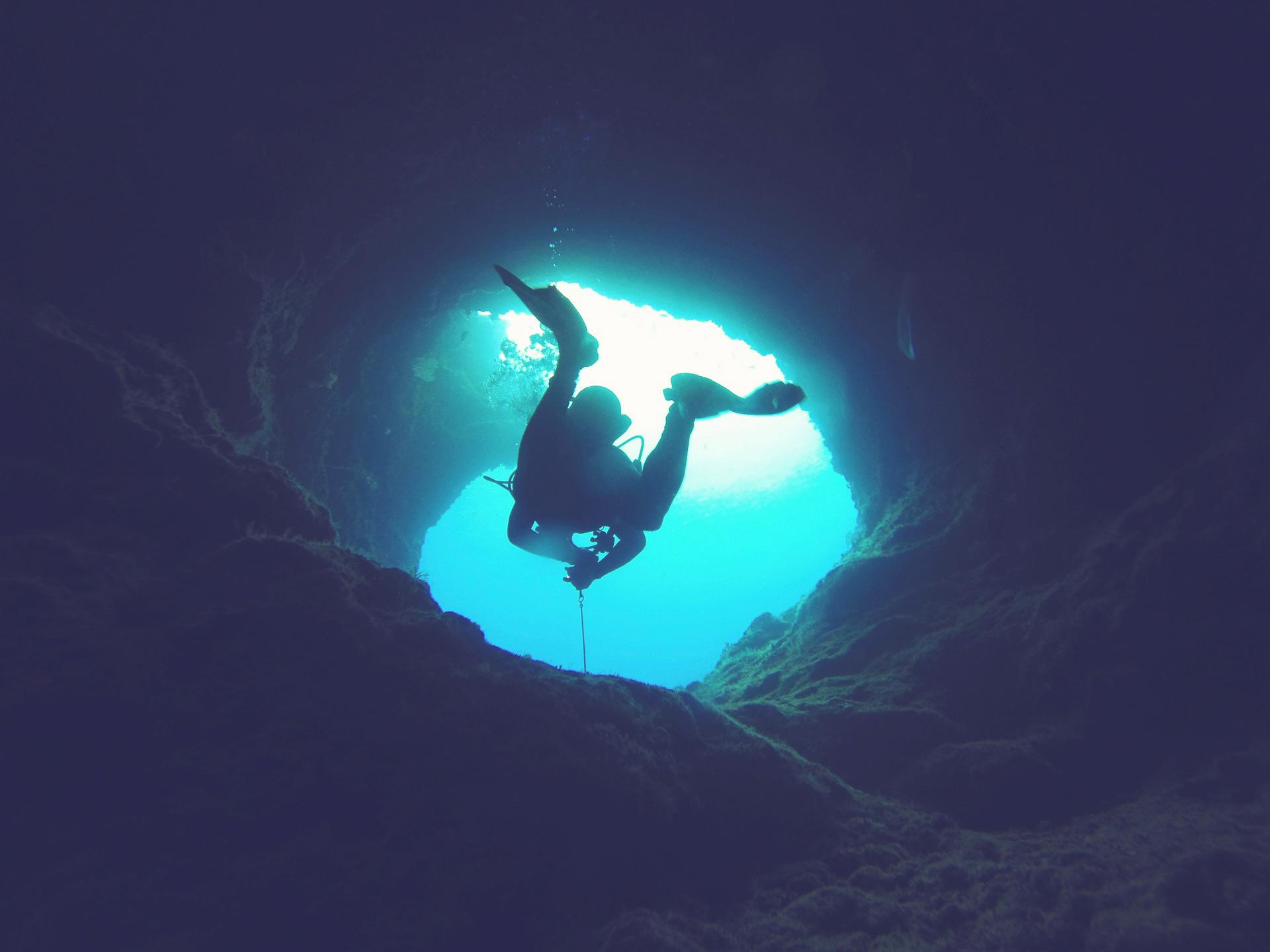 _0002_cave-1154294_1920_edit